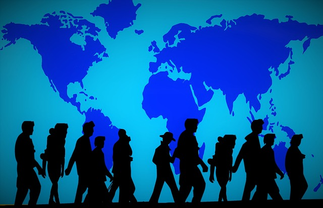En grupp människor på flykt