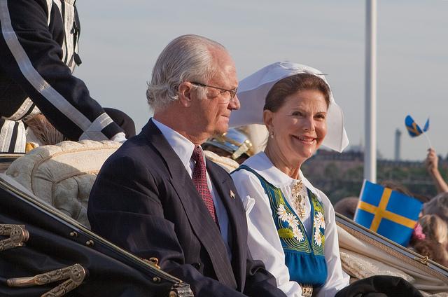 Kungen och drottning på nationaldagen.