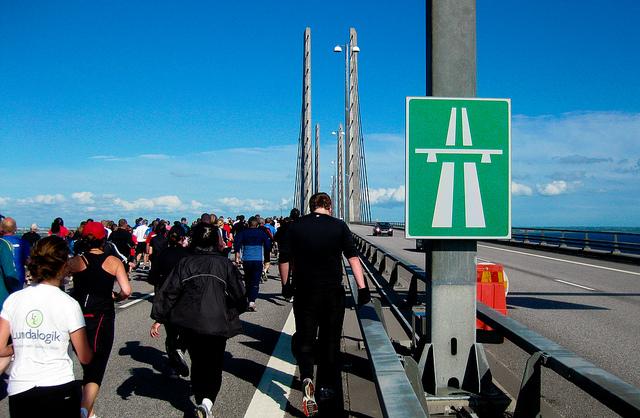 Innan bron invigdes hölls broloppet. Då kunde man springa över Öresundsbron.