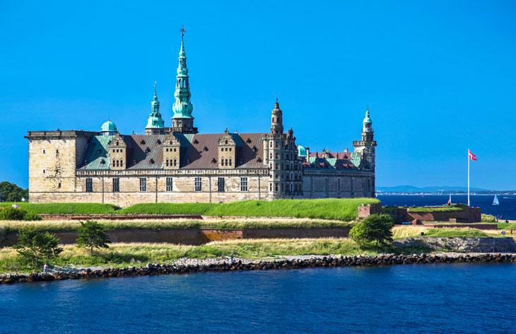 Shakespears Hamlet utspelar sig på Kronborgs slott i Helsingör Foto: Jaroslav Moravcik/Shutterstock.com