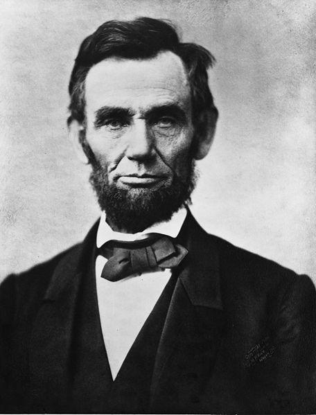 President Abraham Lincoln skrev 1863 på lagen som förbjöd slaveri i USA.