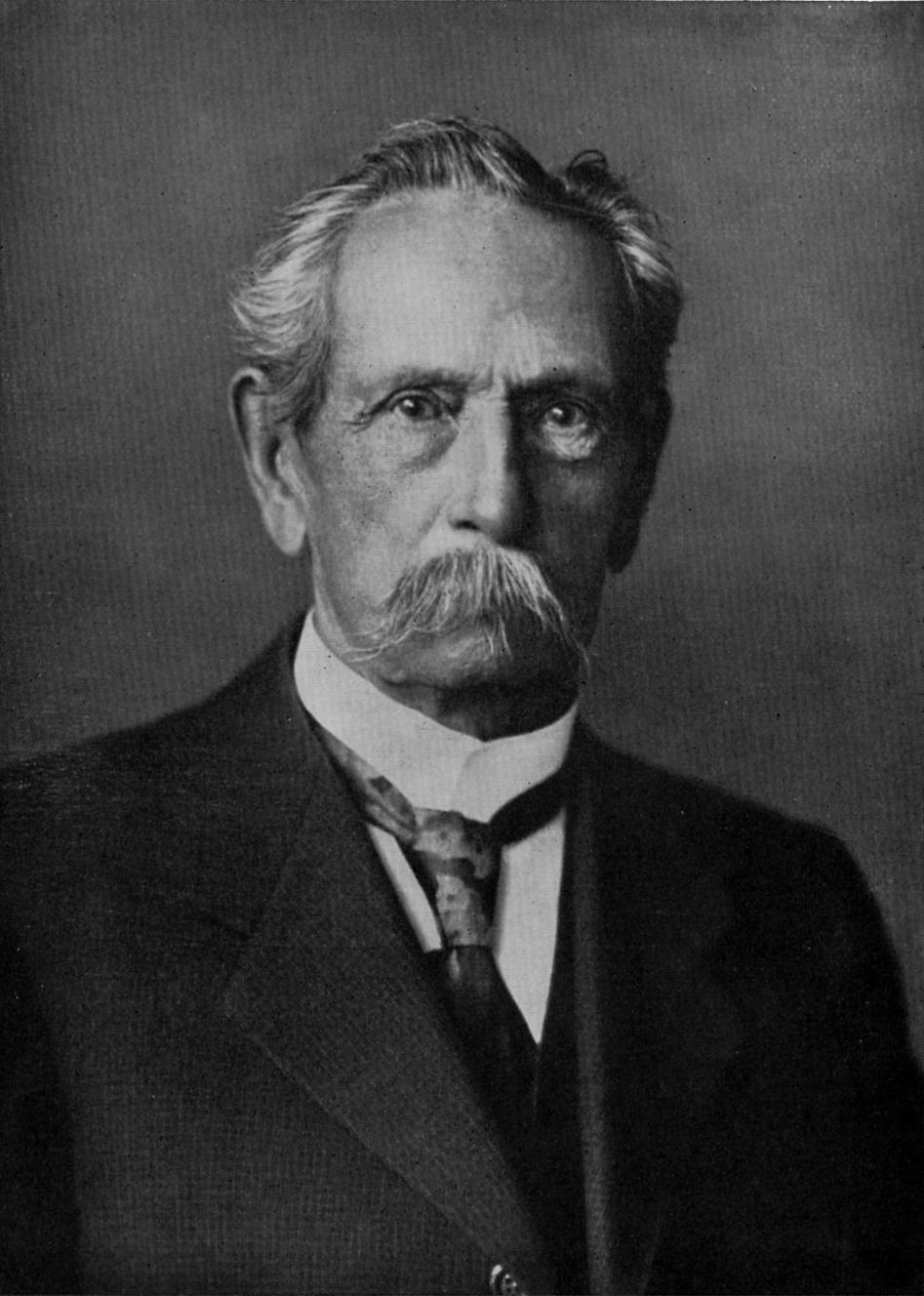 Carl Benz anses ha uppfunnit den första bilen.