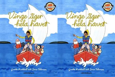 Vinge står på sin seglarbåt ute på havet.