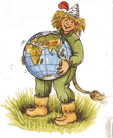 En teckning av skogsmulle. Hen står i gräs, med grön overall och stövlar med en böjd spets. Hen har brunt rufsigt hår och en grön trekantig hatt. I händerna håller hen en jordglob.