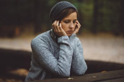 En trött kvinna