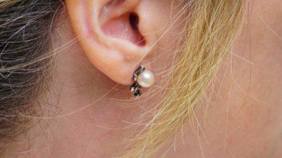 ett pärlörhänge