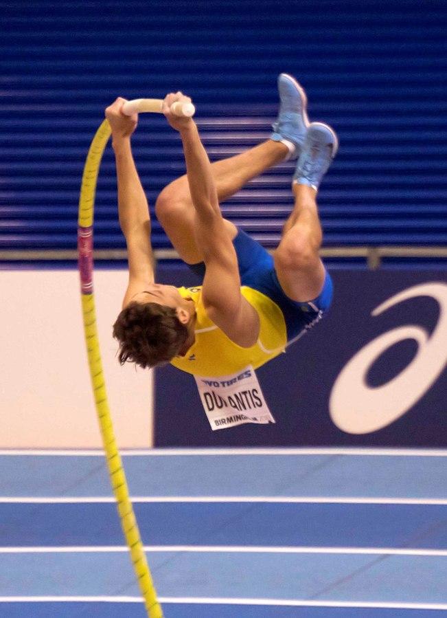 Armand Duplantis hoppar stavhopp