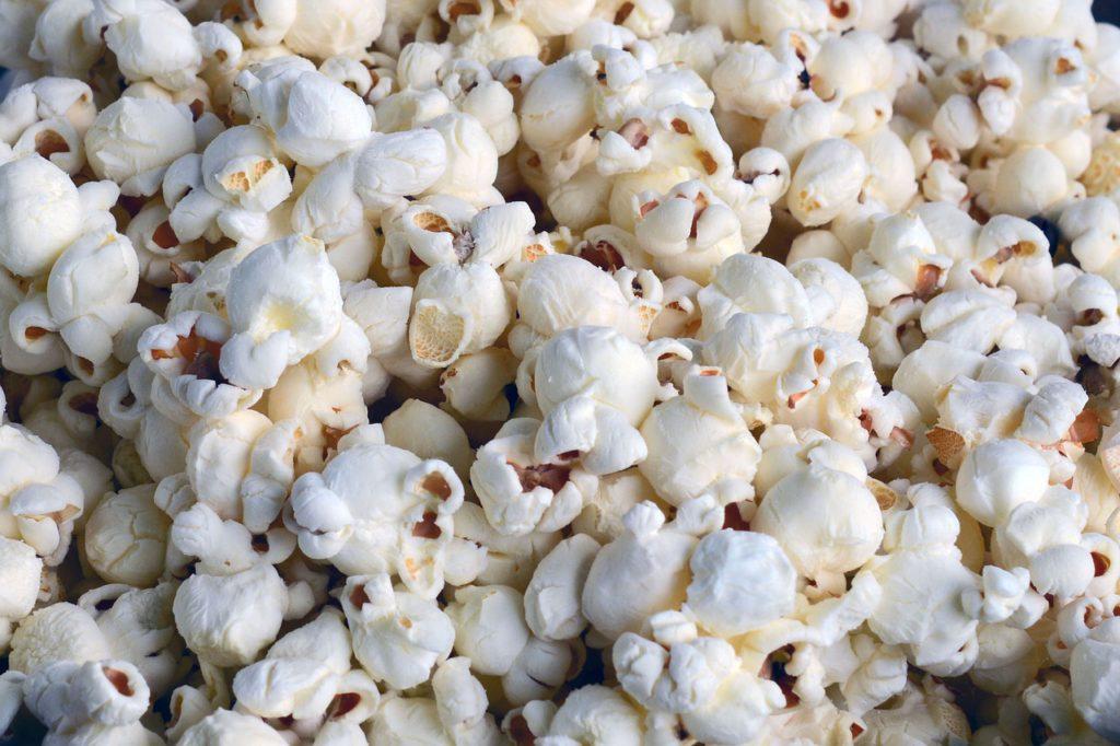 Massor av popcorn.