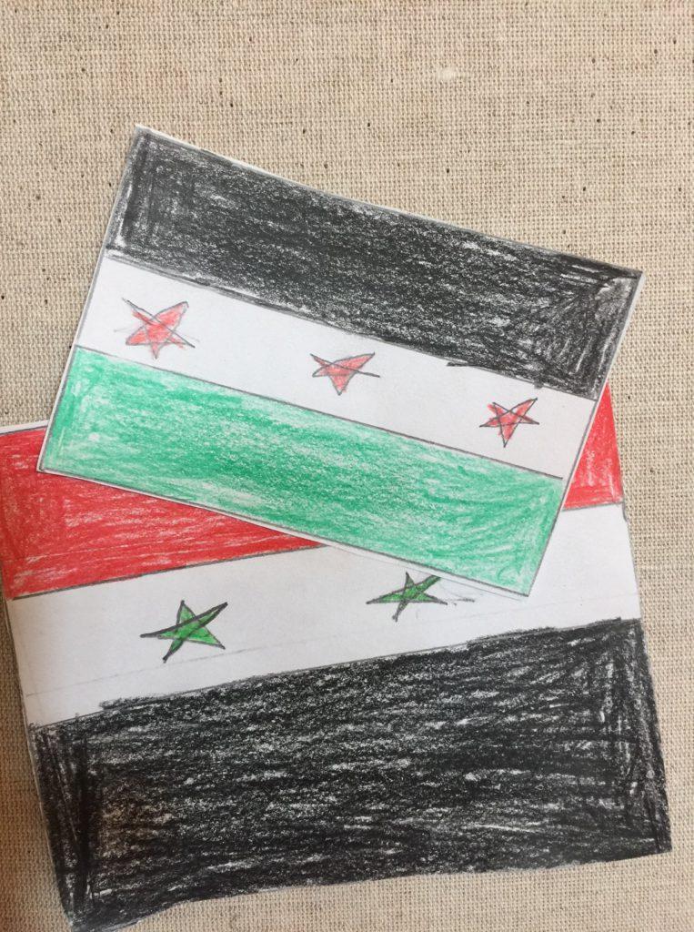 Två ritade flaggor.