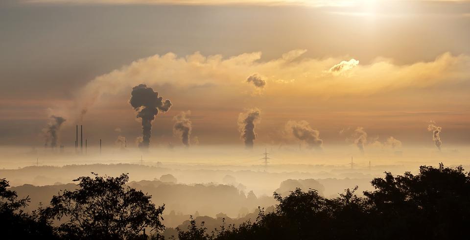 Fabriker som släpper ut rök