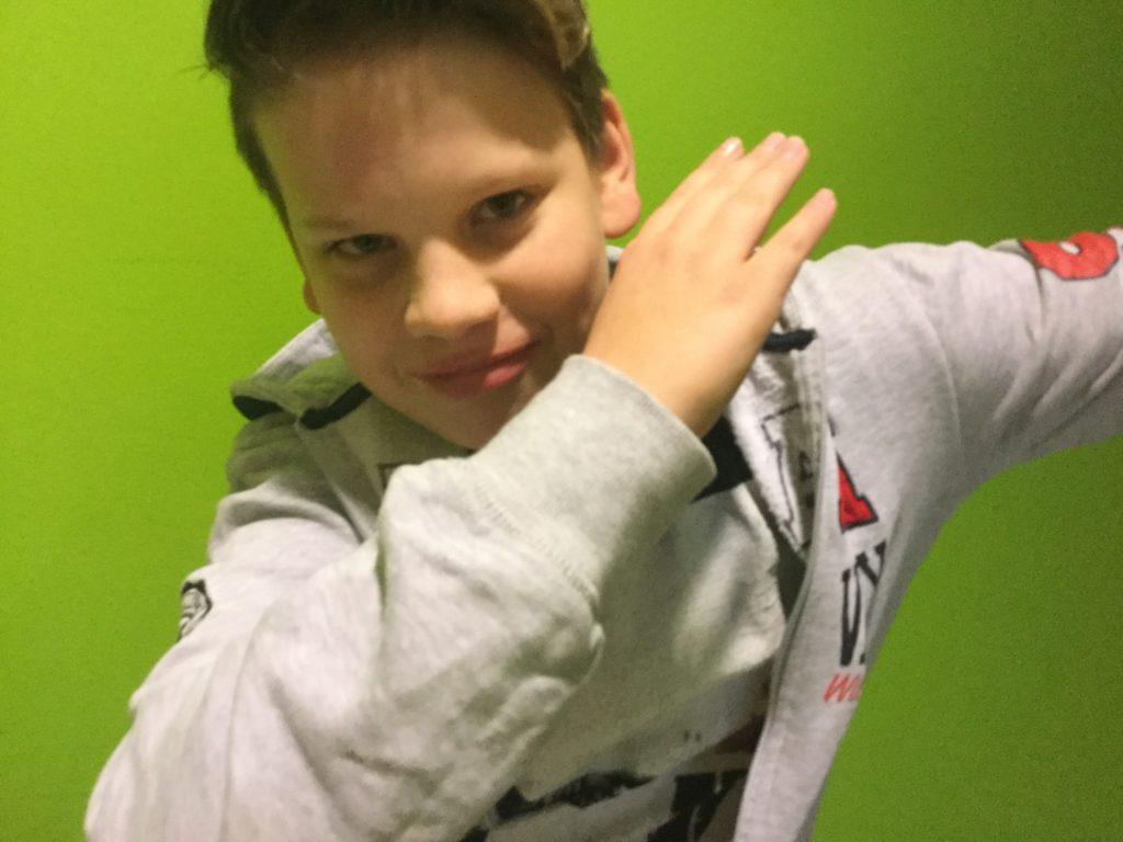 En 12-åring gör en dab
