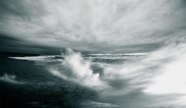Stormvågor i havet