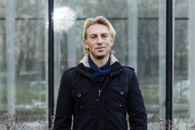 Bild på författaren Anders Hansen.