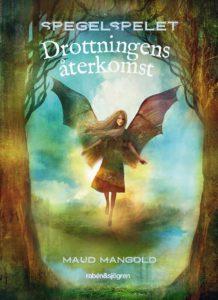 På bokomslaget flyger ängeln Hilja mellan två stora träd.