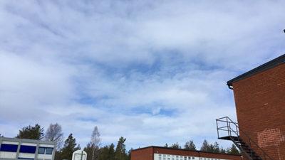 Foto på himlen över Piteholmsskolan