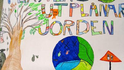Teckning av jorden och plaster.