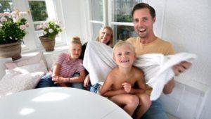 Familj hemma i Karlstad