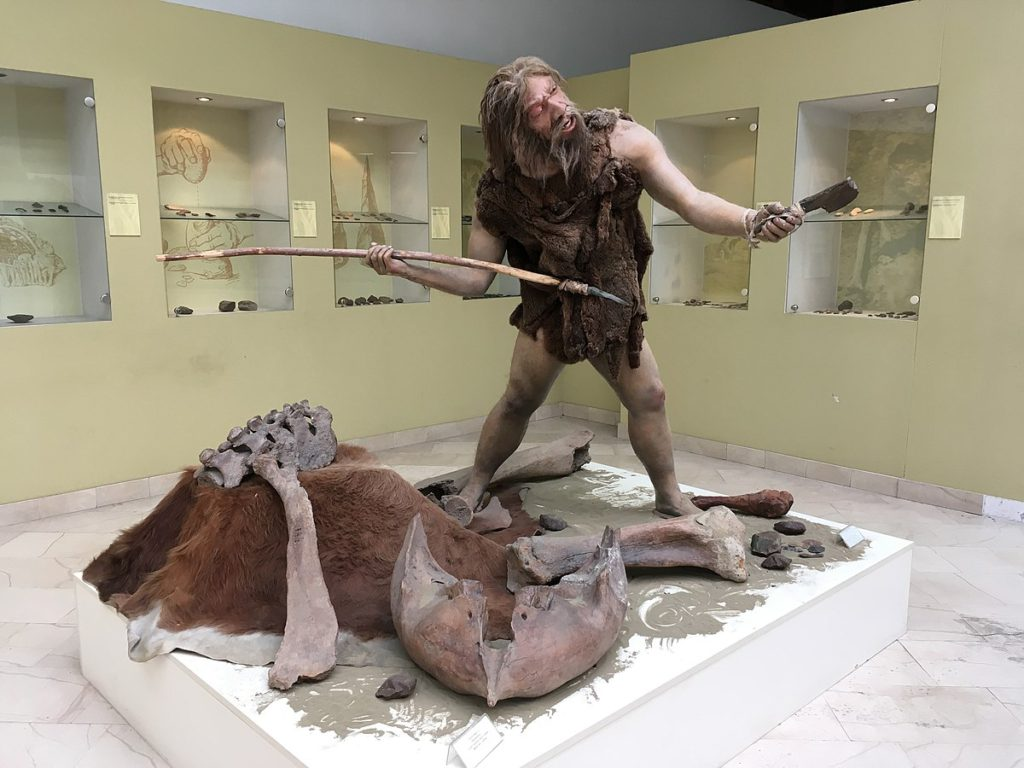 En staty på en neandertalare