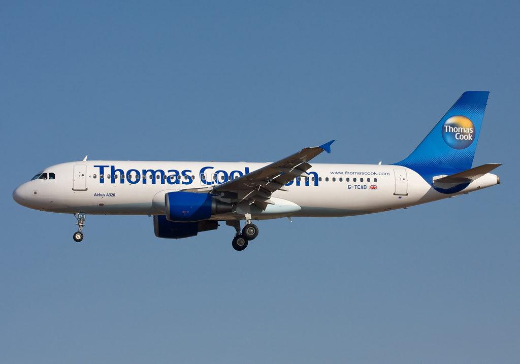 Ett Thomas Cook flygplan i luften