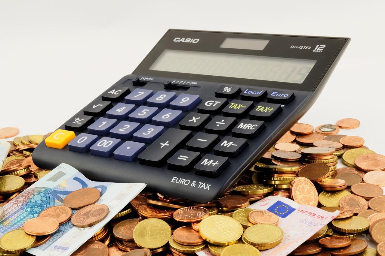 En miniräknare och pengar
