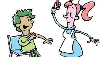 En sjuksköterska ger en pojke en spruta