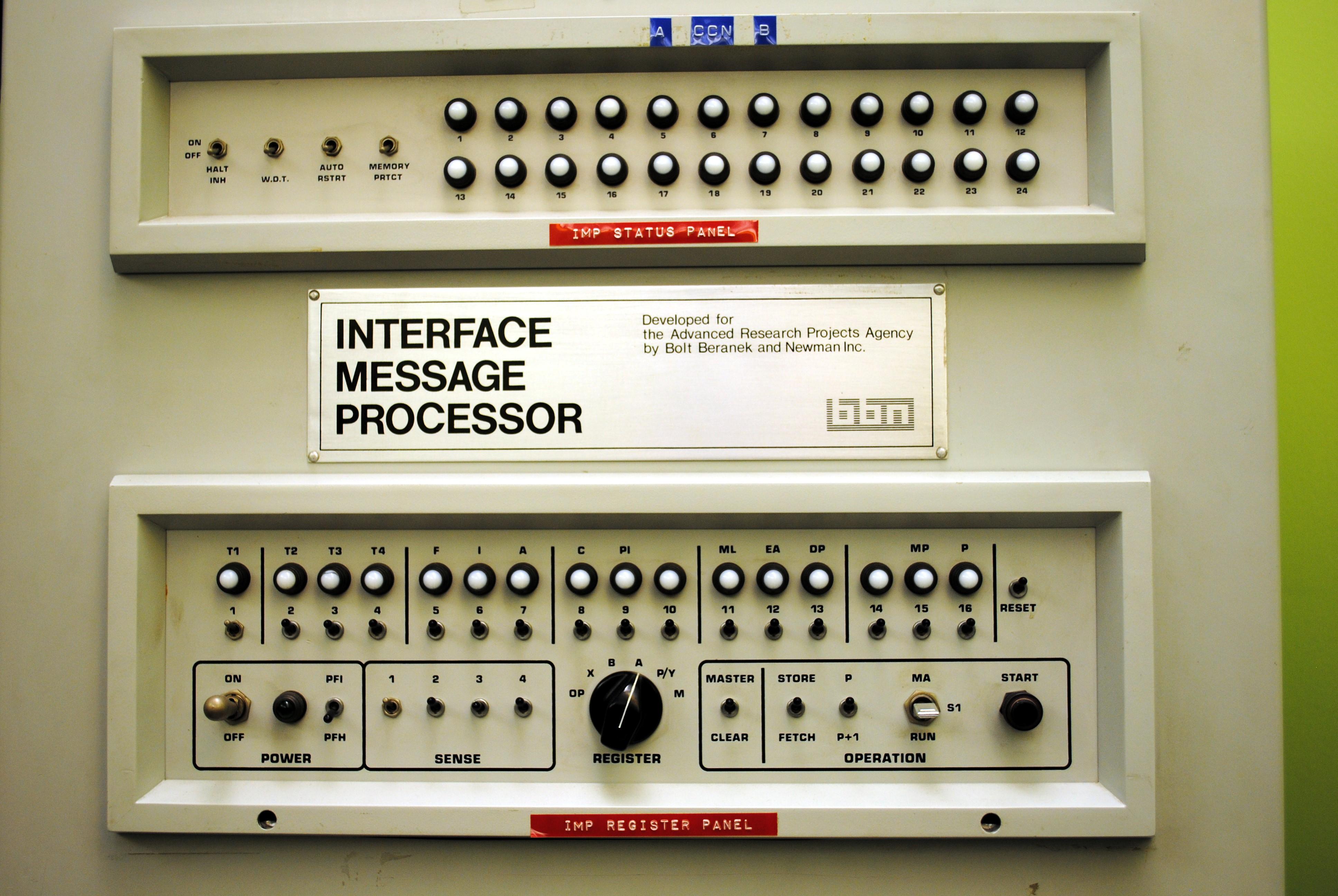 Den första datorn som skickade ett meddelande på internet