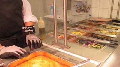 Foto från vegetarisk mat i skolmatsalen