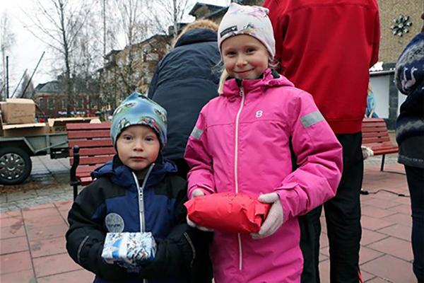 Syskonen Agnes och Joel Olofsson