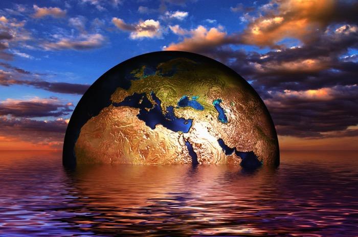 Jorden i havet. Ett collage.