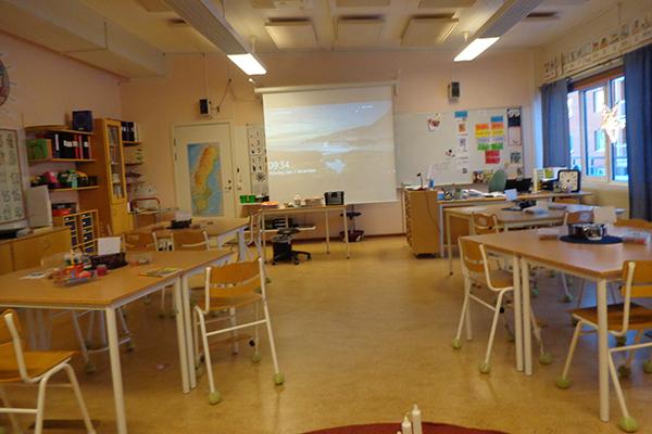 Foto på ett klassrum i Björklundaskolan.