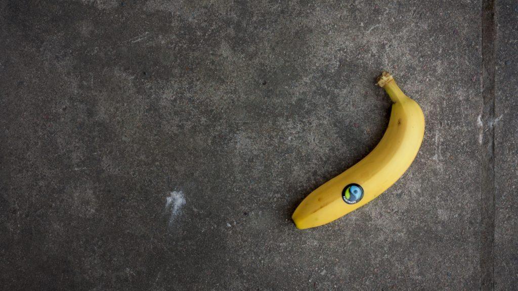 En Fairtrade-märkt banan.