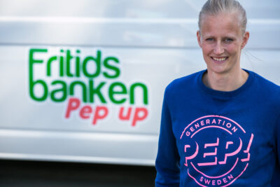Carolina Klüft arbetar med pep up-bilar