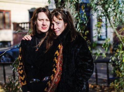 Kristina Sigundsdotter och Ester Eriksson