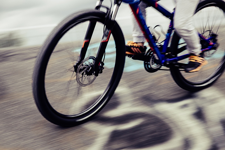 En närbild på en cykel.