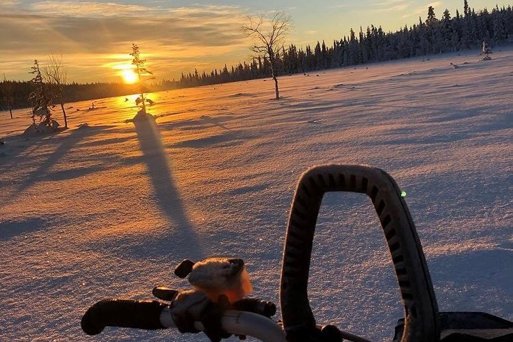 Solnedgång fotad från skotern.