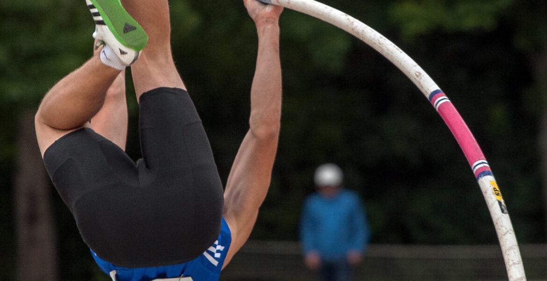 Armand Duplantis har vunnit OS-guld.