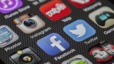 Sociala medier påverkar hur folk mår.