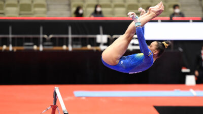 Jennifer Williams tävlar i gymnastik-VM
